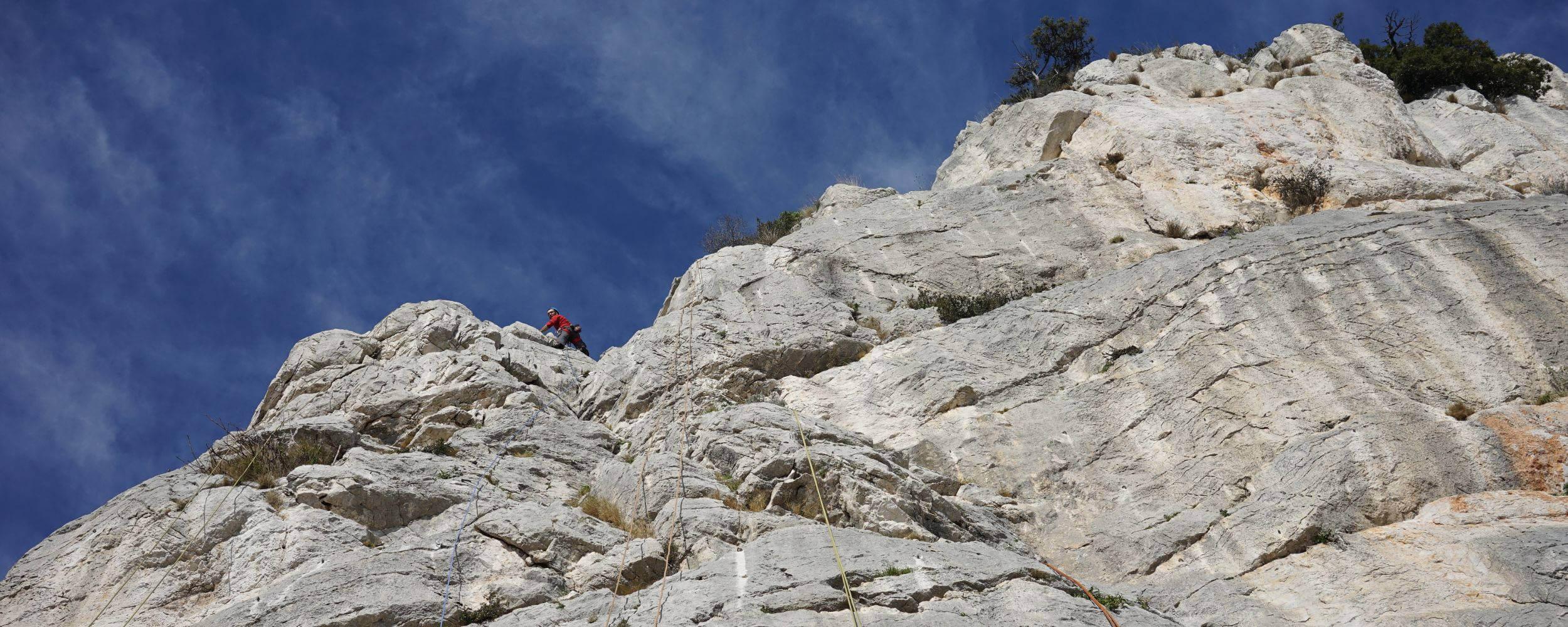 Rock climbing over Monaco - La turbie